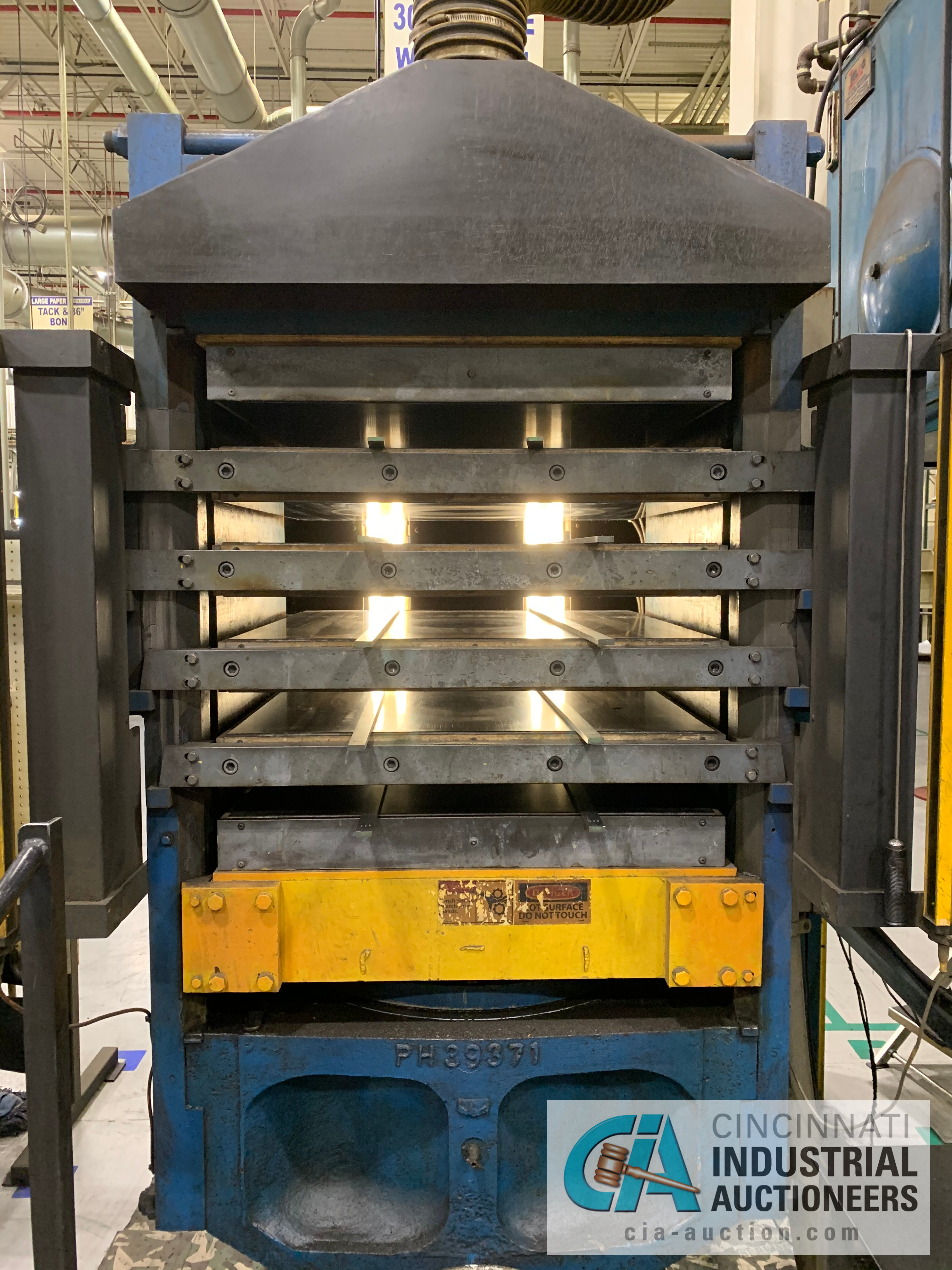 """32"""" 5-PLATTEN HEATED PRESS **RIGGING FEE DUE TO SHOEMAKER $2,250.00** - Image 2 of 7"""