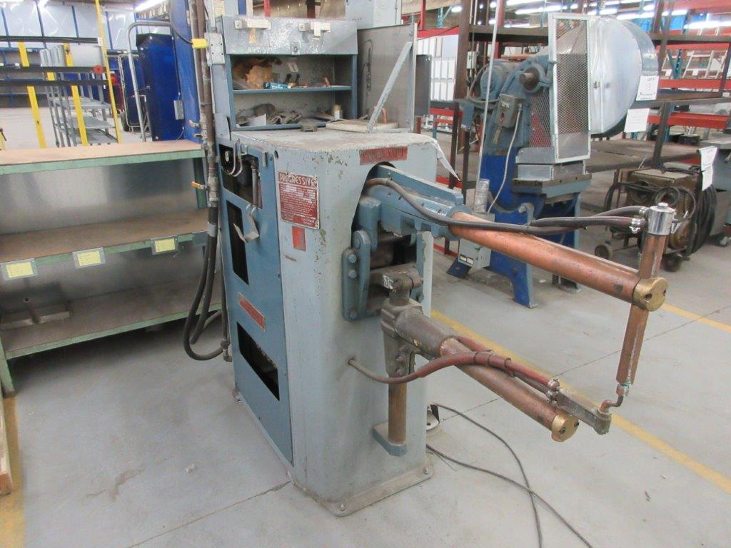 Progressive spot welder Mod: RA 50-30 KVA 50, 550 volts, electronic, water cool - Image 2 of 5