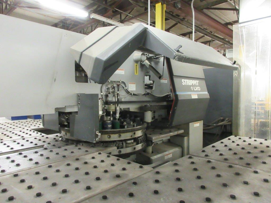 STRIPPIT Turret punch press (2001) , 30 Ton, Mod: 1500 H-30, 8ft large, air table system, - Image 9 of 17