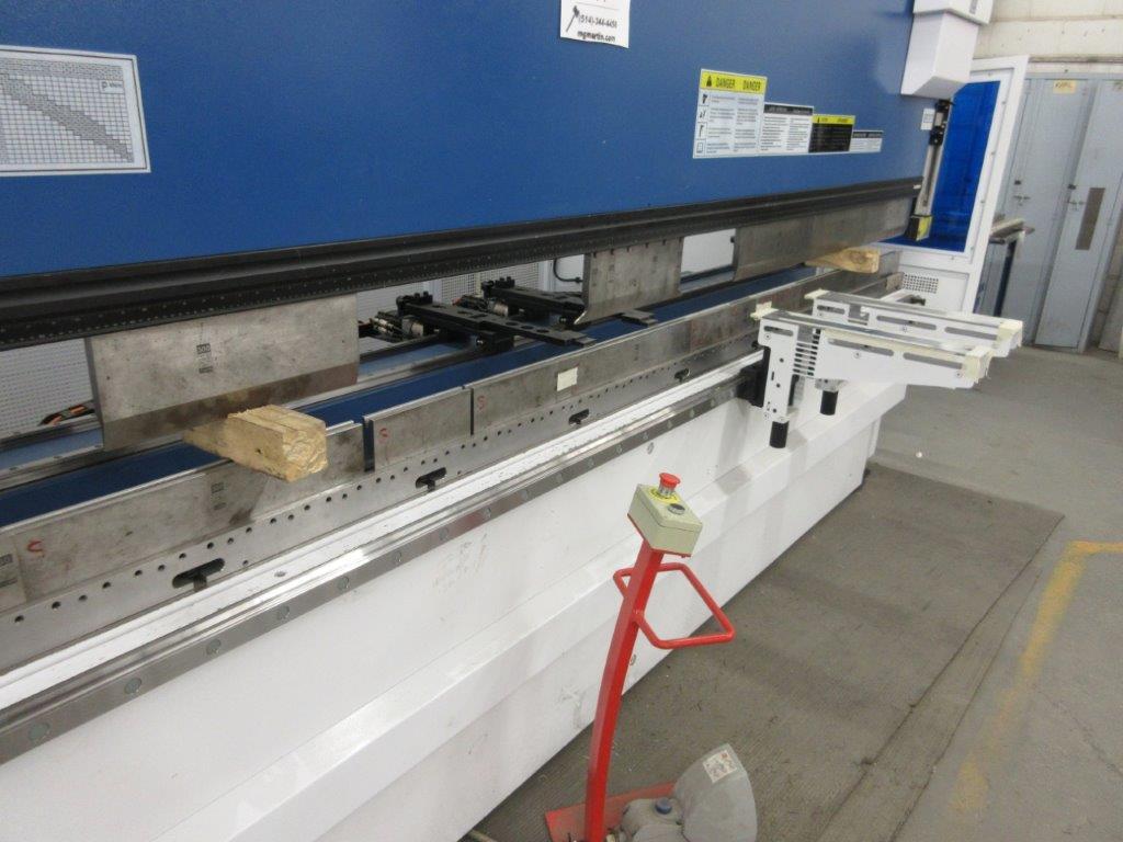 YAWEI Press brake 2019, 110 tons, Mod: PBH-1104100, controller Delem DA-66T, 14 ft, 12ft folding, - Image 6 of 11