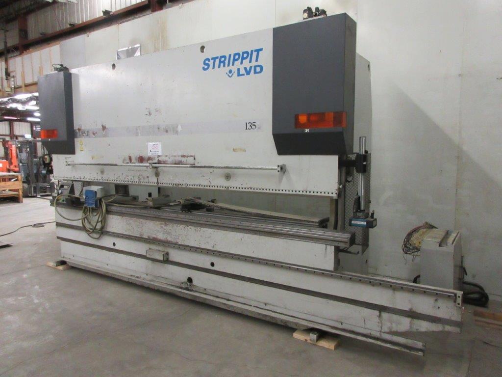 STRIPPIT LVD press brake (1999) type PPEB 135/42 max cap: 1350, 575 volts, 60 hz , 135 Ton, 14ft, - Image 8 of 11