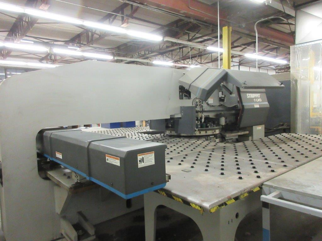STRIPPIT Turret punch press (2001) , 30 Ton, Mod: 1500 H-30, 8ft large, air table system, - Image 7 of 17