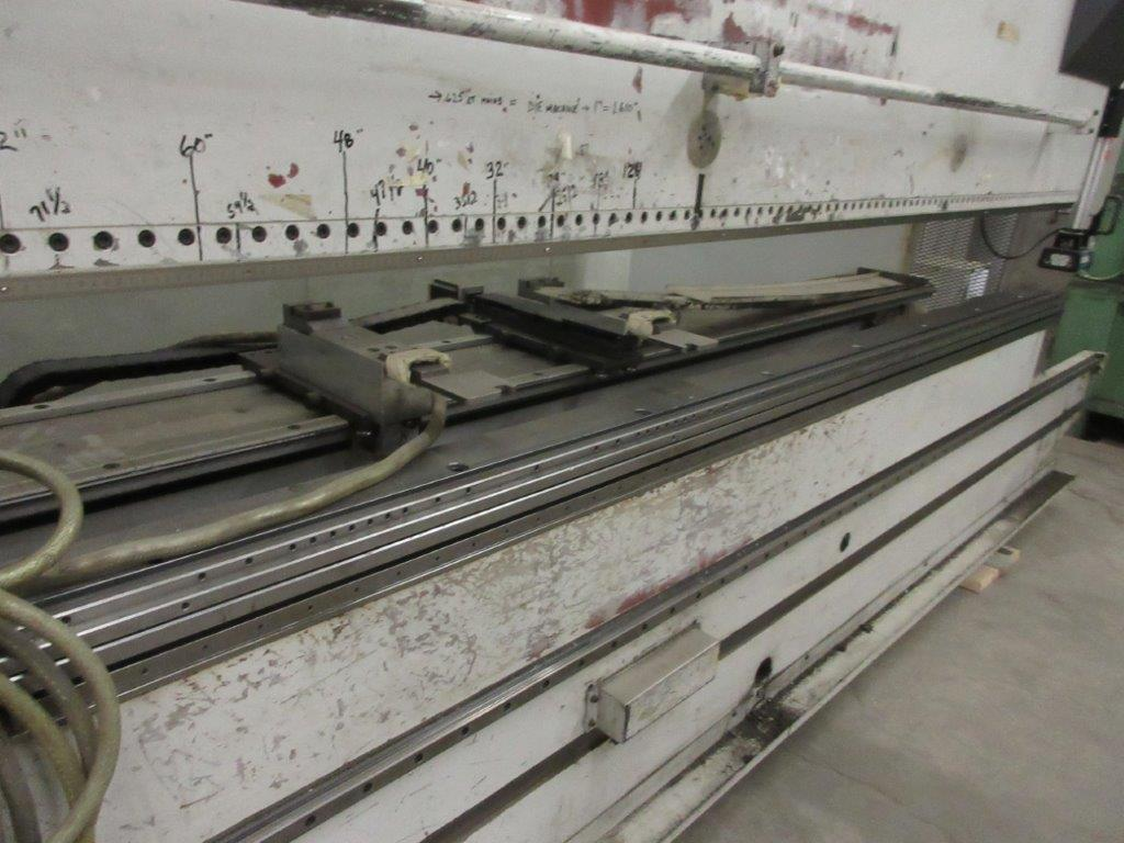 STRIPPIT LVD press brake (1999) type PPEB 135/42 max cap: 1350, 575 volts, 60 hz , 135 Ton, 14ft, - Image 5 of 11