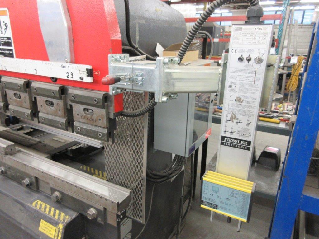 AMADA CNC Hydraulic brake press (1998) Mod: RG 50, Cap: 50 Ton. 6ft back guage, electronic control - Image 4 of 7