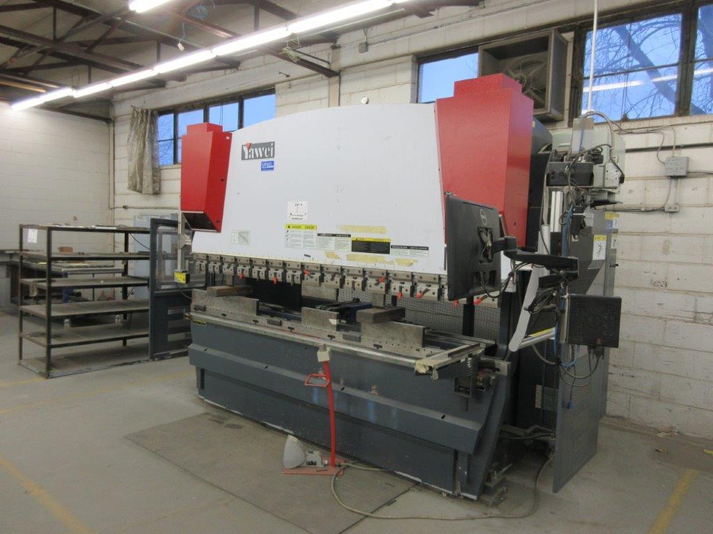 YAHWEI CNC Press brake (2014) 17 KVA 380V Cap:160 Ton ,metric 115 Ton, Model PBB16/3100 10ft, 5ft, - Image 2 of 7
