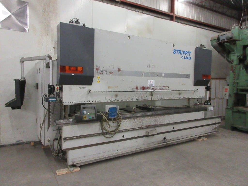 STRIPPIT LVD press brake (1999) type PPEB 135/42 max cap: 1350, 575 volts, 60 hz , 135 Ton, 14ft,