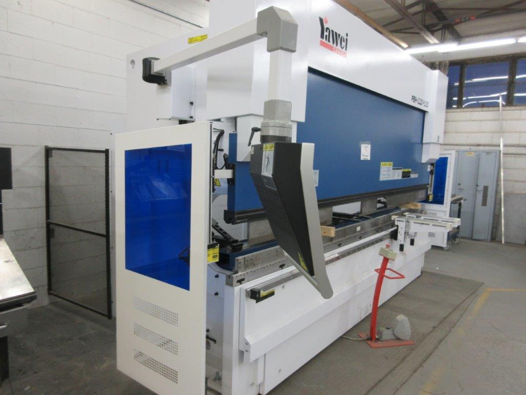 YAWEI Press brake 2019, 110 tons, Mod: PBH-1104100, controller Delem DA-66T, 14 ft, 12ft folding, - Image 4 of 11