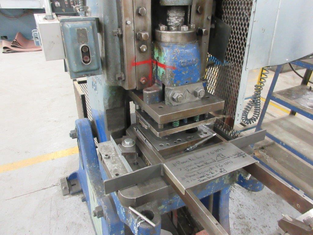 BROWN & BOGGS Punch press OBI, 14L, 14 Ton - Image 3 of 4