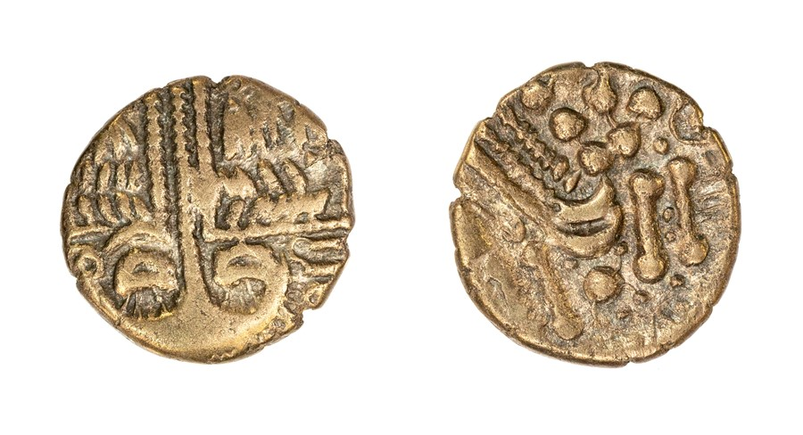 Lot 3 - A gold stater of the Southern Region/Belgae, dating c. 60-20 BC. Rudd's 'Cheriton Smiler' type.