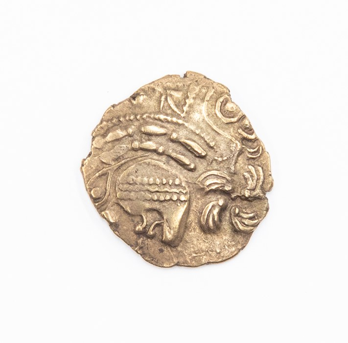 An uninscribed Gallic half stater attributed to the Aulerci Eburovices, c. 150-100 BC. Obverse: no - Image 3 of 3