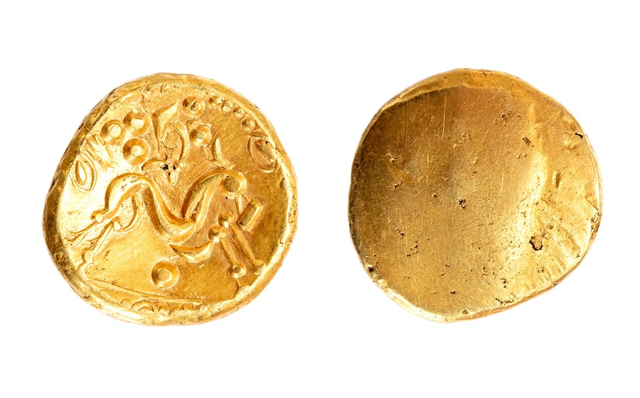 Lot 29 - An uninscribed gold stater of 'Gallo-Belgic E' type attributed to the Ambiani of Northern France,