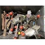PLASTIC BOX OF (20+) BANDING CRIMP TENSIONERS, (10+) CLOSED END SOCKET IMPACTS, AND SIGNODE