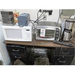 LOT - MISC LUNCHROOM ITEMS, TO INCLUDE: MICROWAVE, TOASTER OVEN, COFFEE MAKER, INSTANT HOT WATER