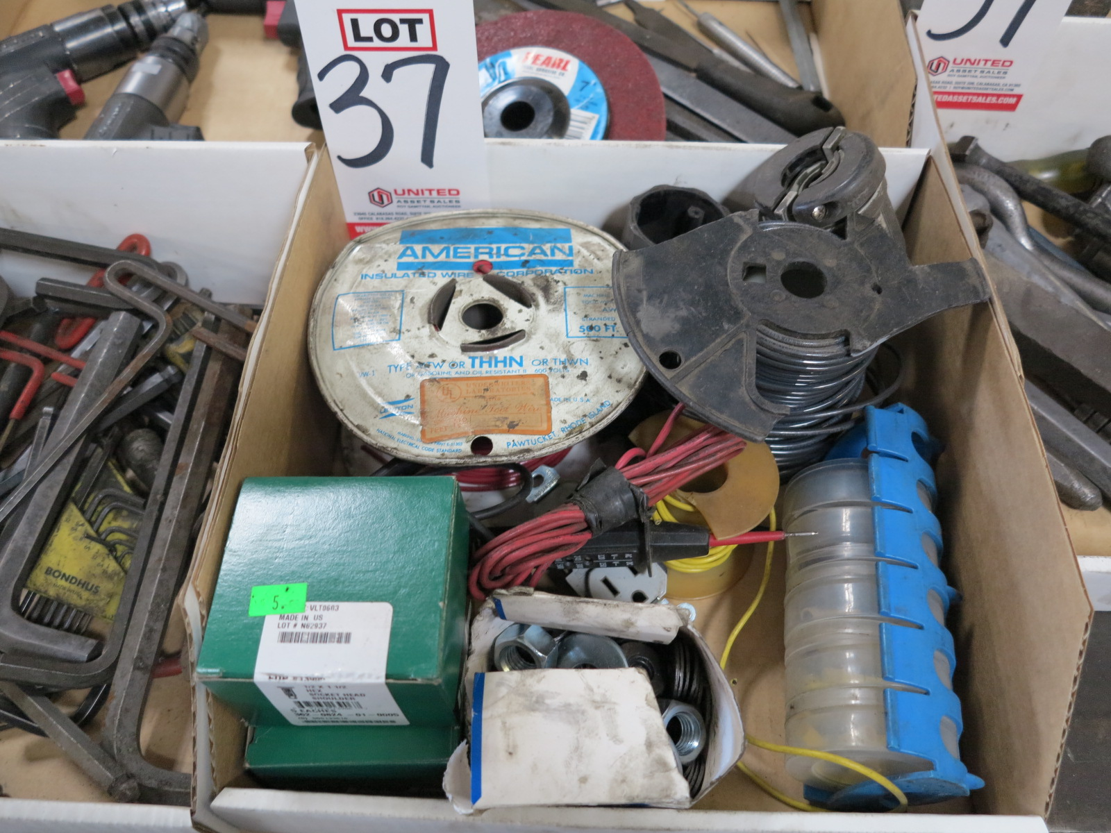 LOT - MISC ELECTRIC SUPPLIES