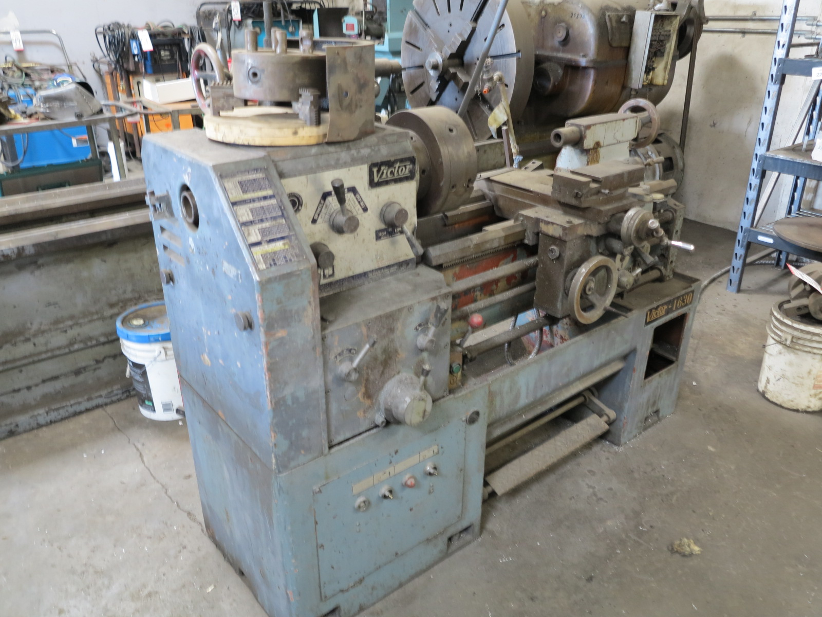"VICTOR 1630 LATHE, W/ 10"" 3-JAW CHUCK, TAILSTOCK - Image 2 of 3"
