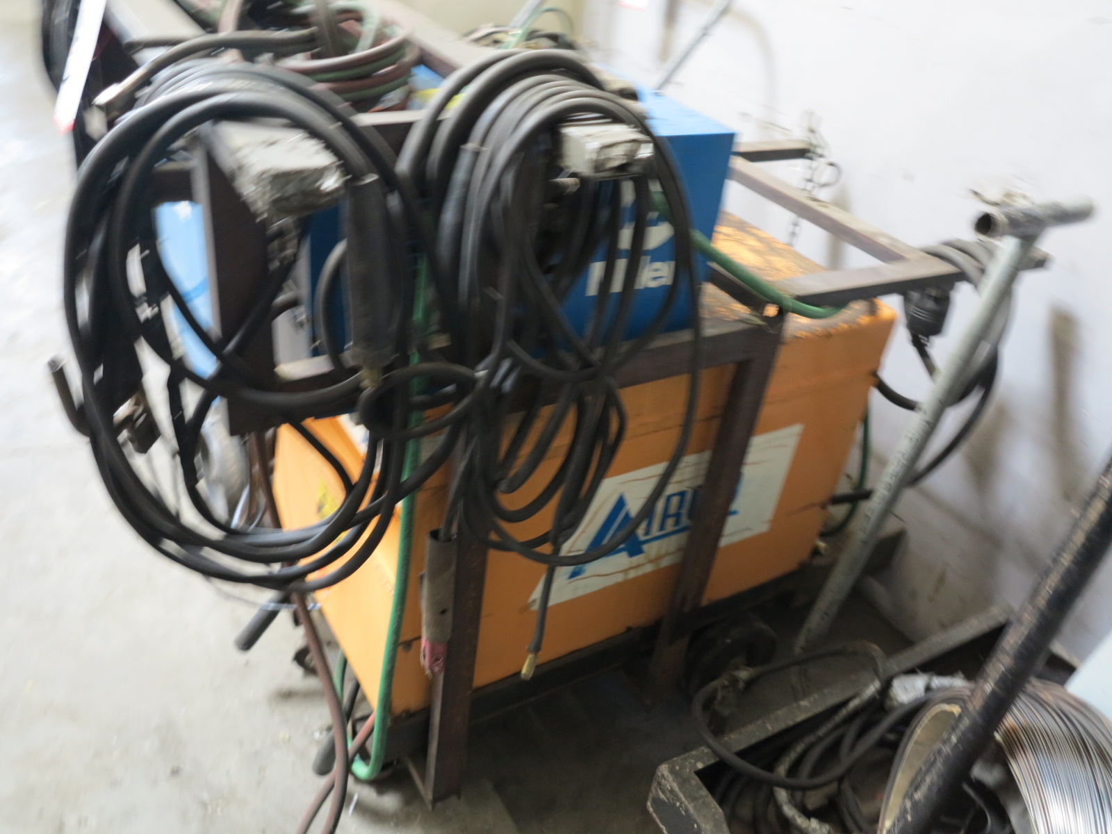 AIRCO 250 AMP AC/DC HELIWELDER, STOCK NO. 1341-0160, S/N HG006554, W/ MILLER RADIATOR-1 COOLING - Image 2 of 2