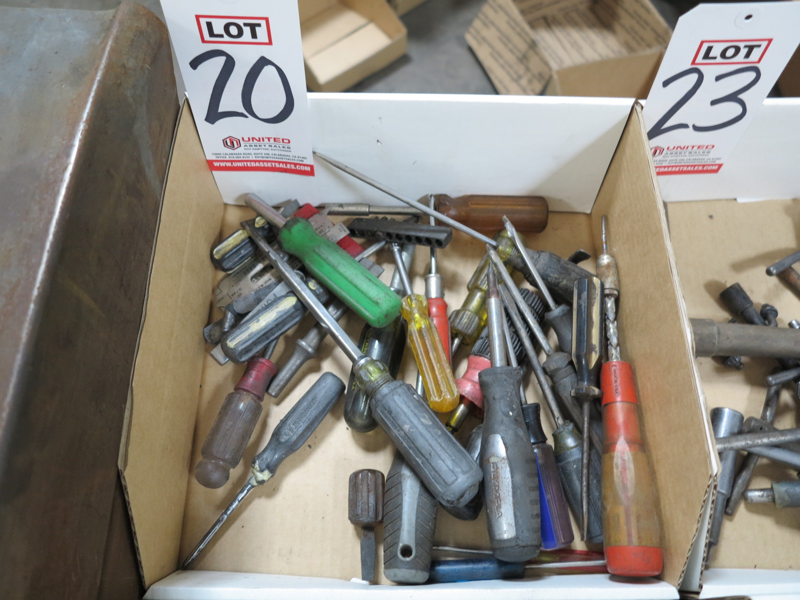 LOT - MISC SCREWDRIVERS
