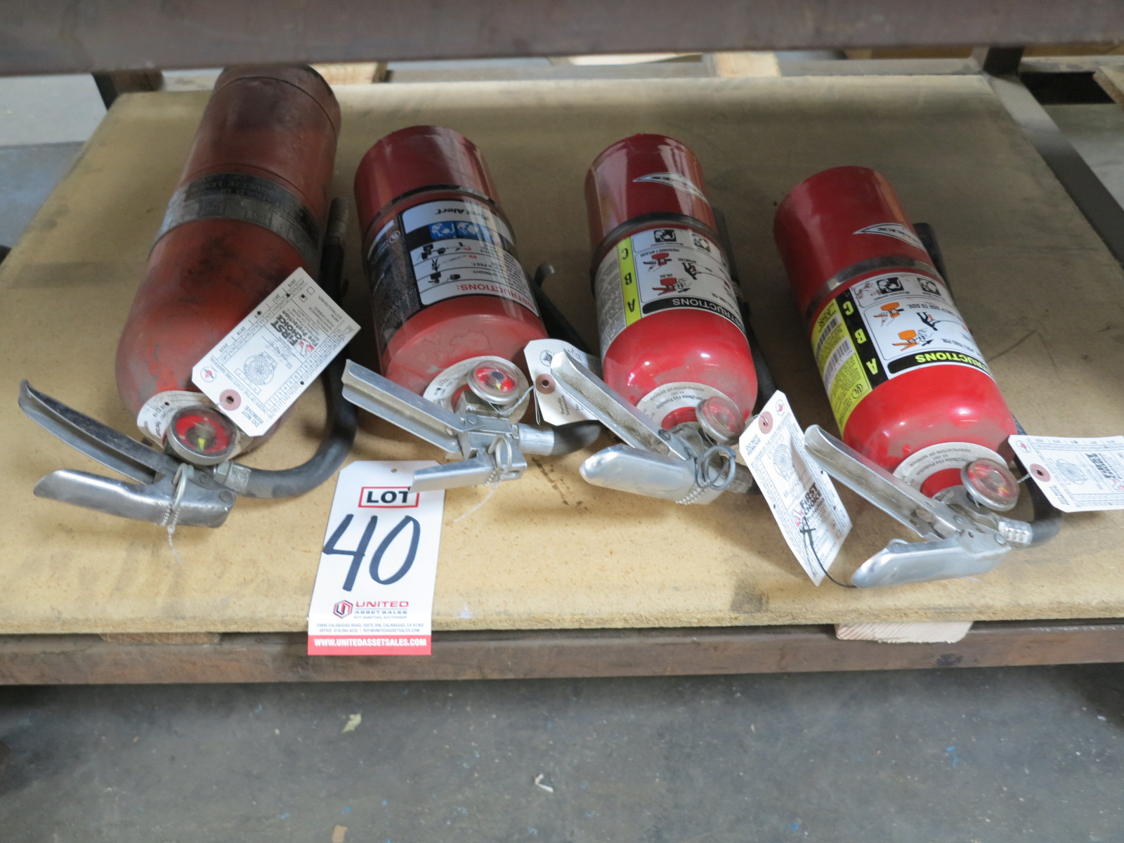 LOT - (4) FIRE EXTINGUISHERS
