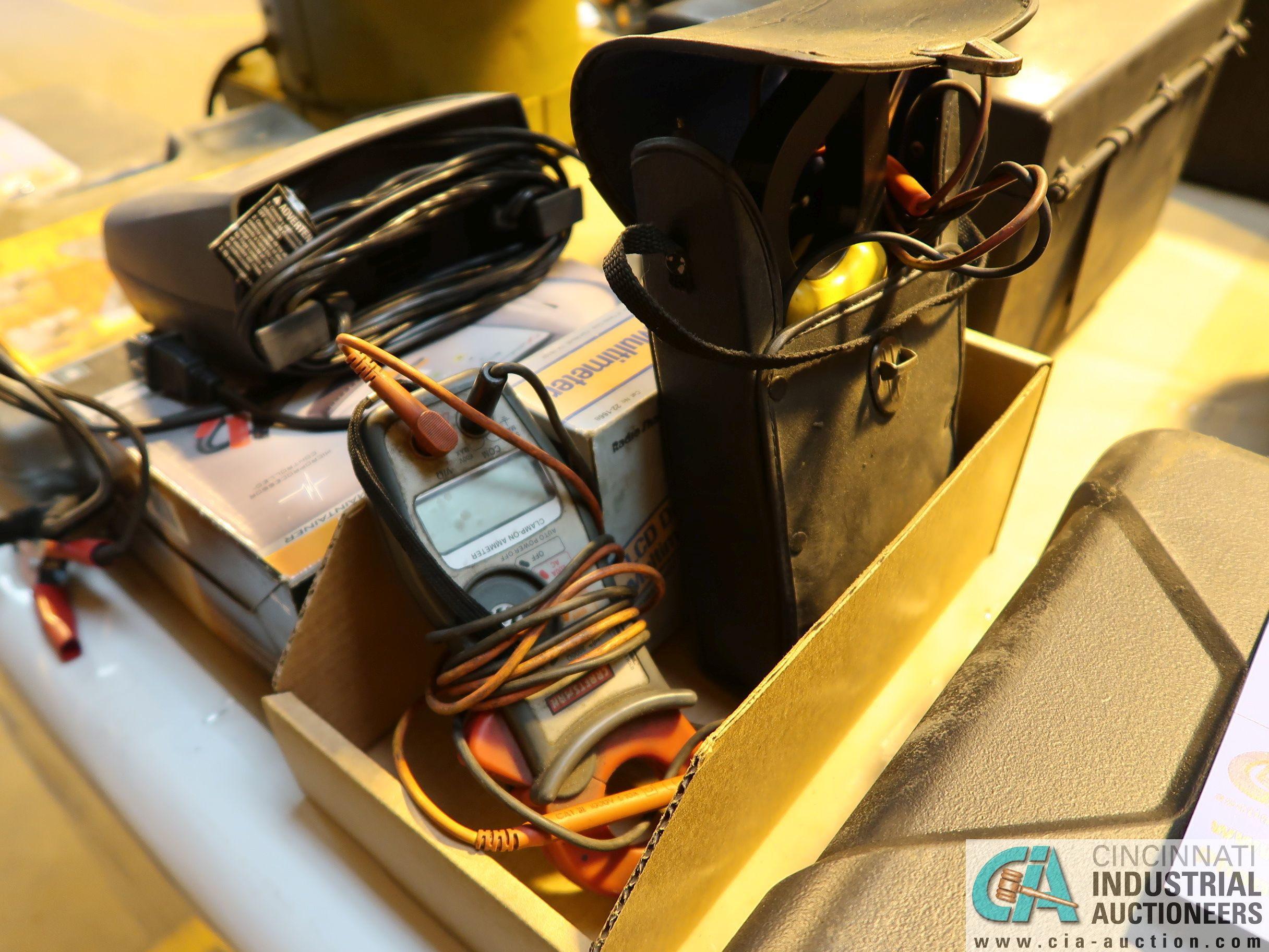 (LOT) (2) ELECTRIC SOLDERING GUNS, SCHUMACHER HOUSEHOLD BATTERY CHARGER AND MISCELLANEOUS - Image 4 of 4