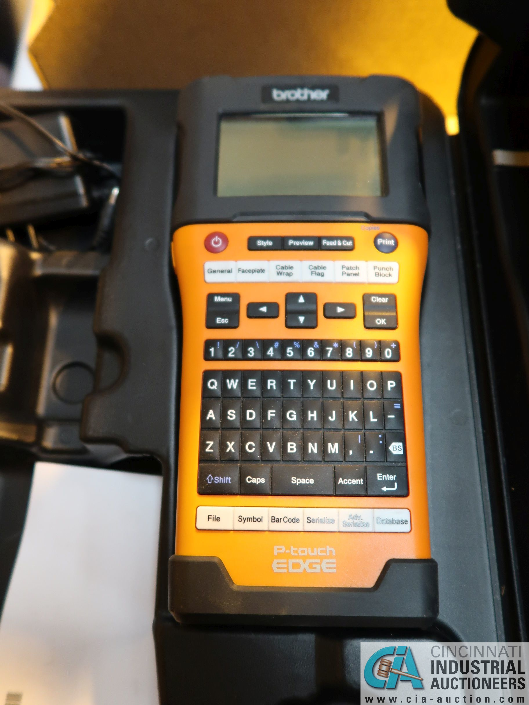 BROTHER P-TOUCH EDGE HAND HELD CORDLESS LABEL PRINTER
