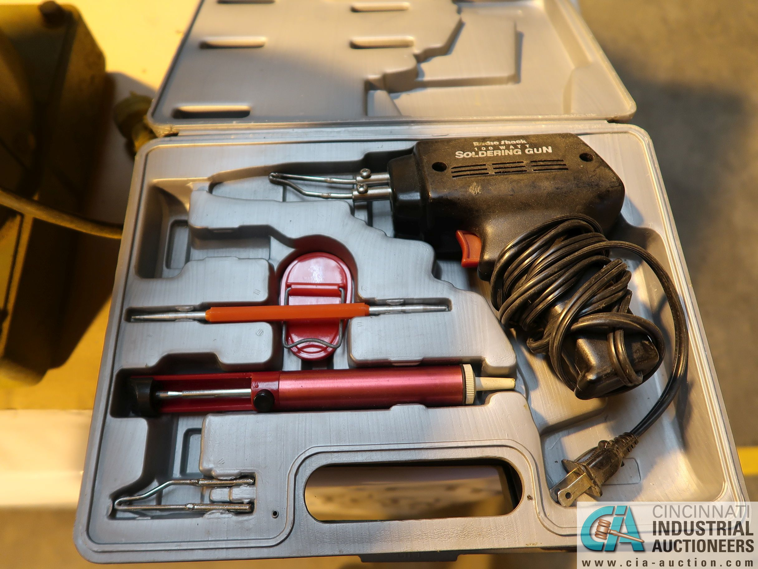 (LOT) (2) ELECTRIC SOLDERING GUNS, SCHUMACHER HOUSEHOLD BATTERY CHARGER AND MISCELLANEOUS - Image 3 of 4
