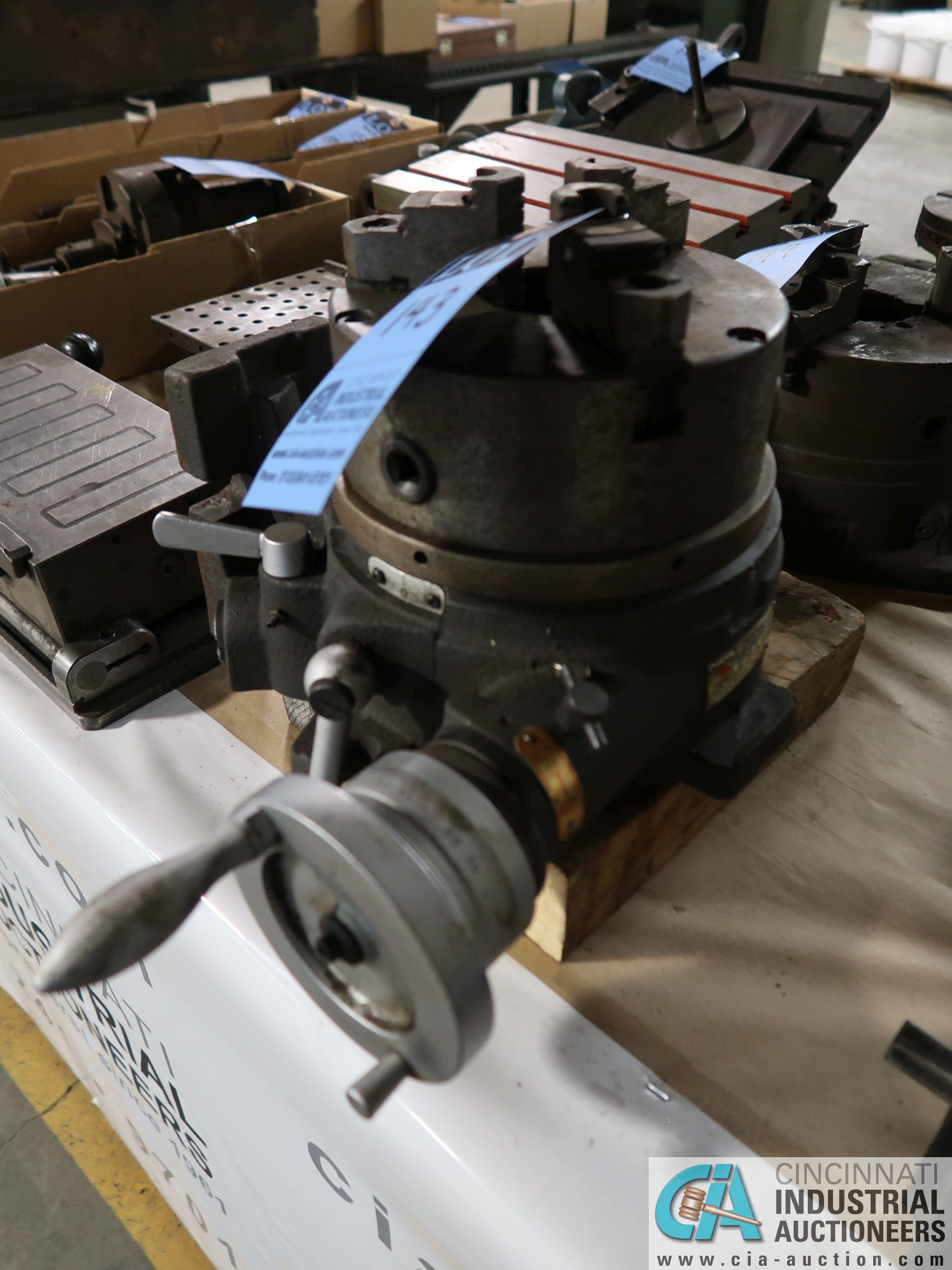 "8"" VERTEX INDEXING SUPER SPACER WITH THREE-JAW CHUCK - Image 2 of 2"