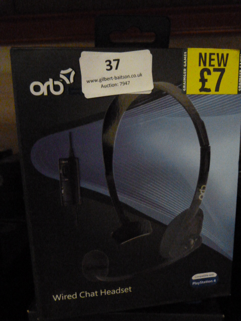 Lot 37 - Five Wired Chat Headsets