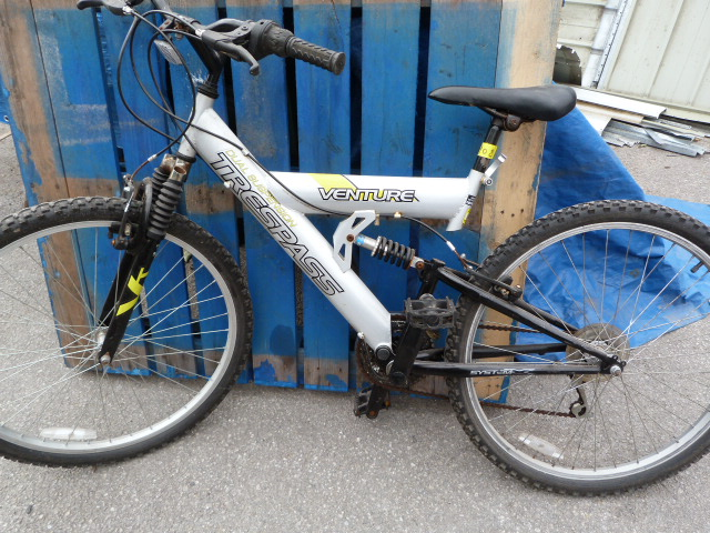 Lot 4 - Trespass Venture Dual Suspension Bicycle