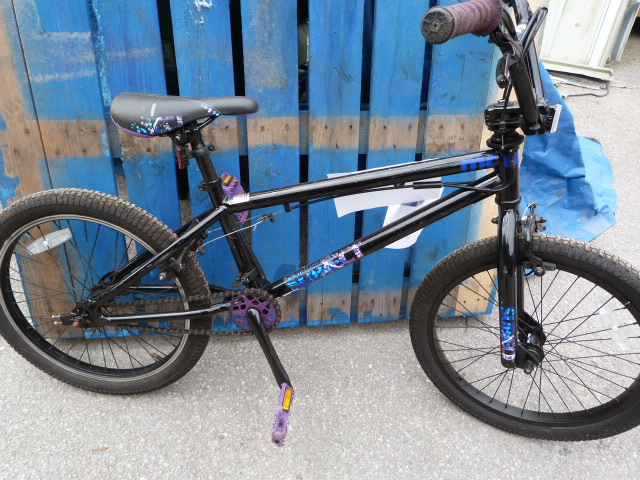Lot 2 - Boy's Black Mongoose Bicycle