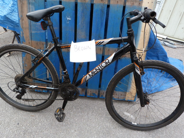 Lot 3 - Mentor Urban Hybrid Bicycle