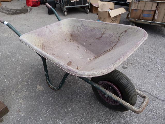 Lot 8 - Fort Plastic Wheelbarrow