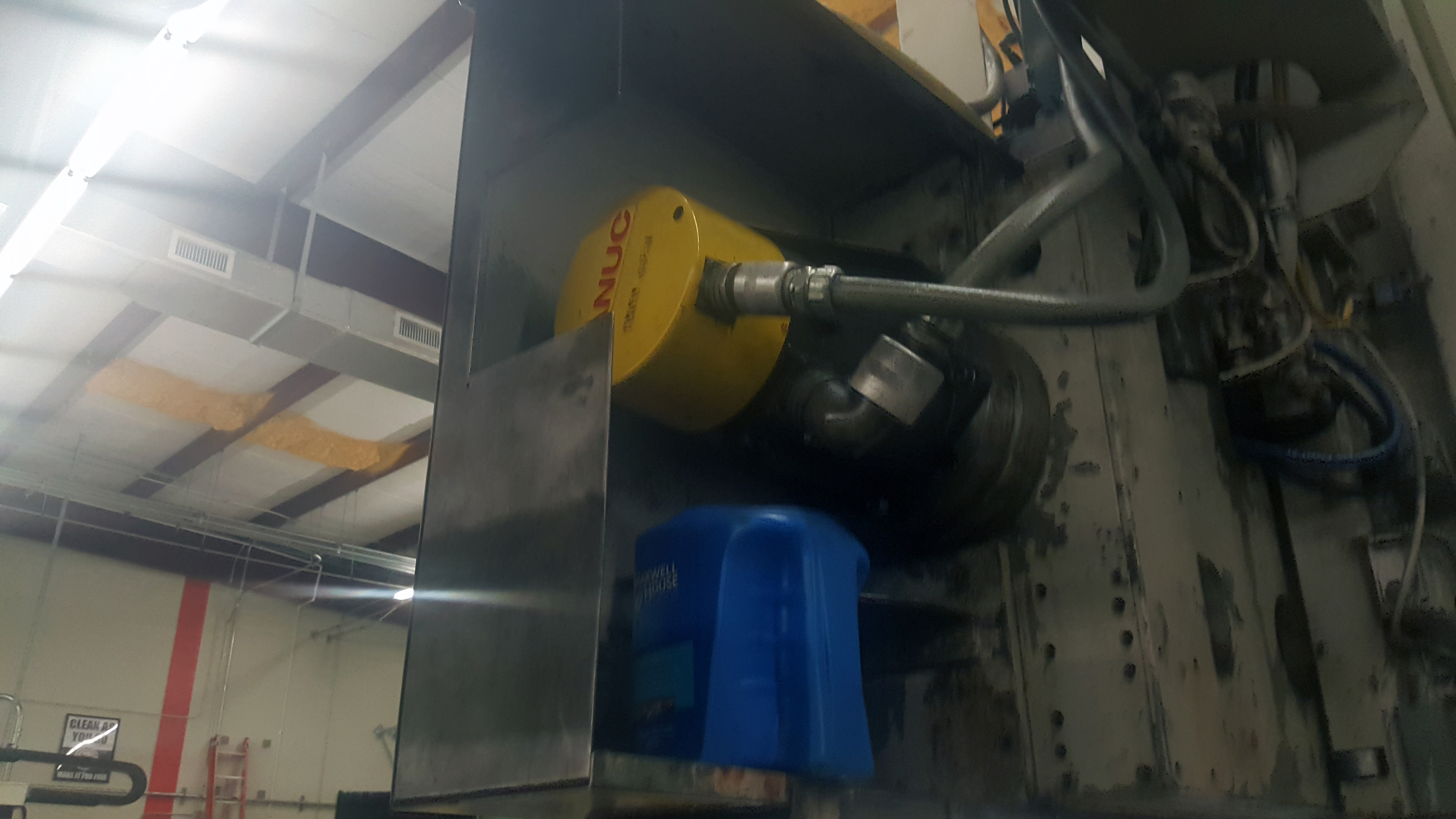 """Schiess 63"""" table CNC Vertical Turret and Boring Lathe, Fanuc control, 4 way tool block and 8 - Image 8 of 12"""