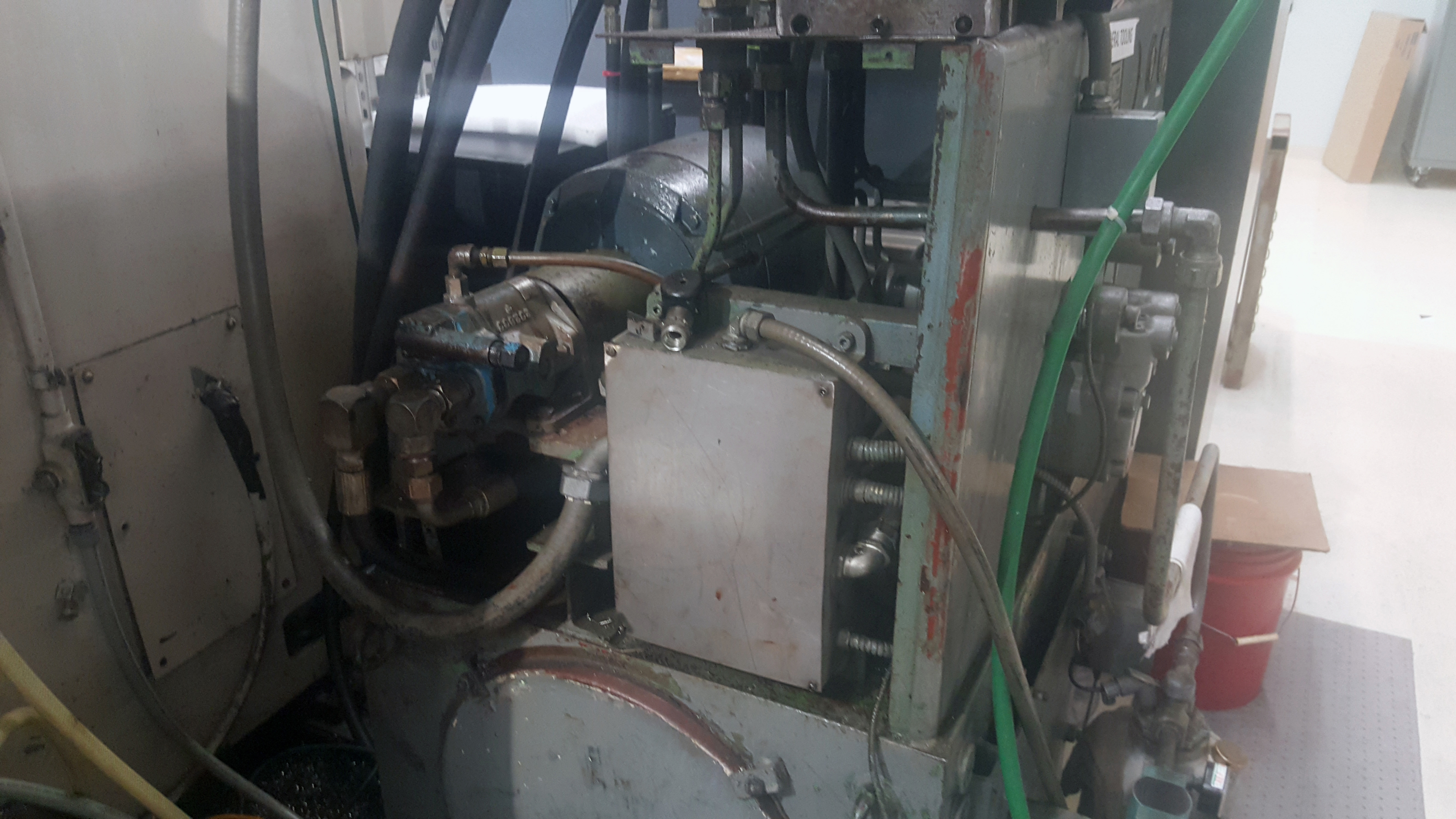 """Schiess 63"""" table CNC Vertical Turret and Boring Lathe, Fanuc control, 4 way tool block and 8 - Image 9 of 12"""