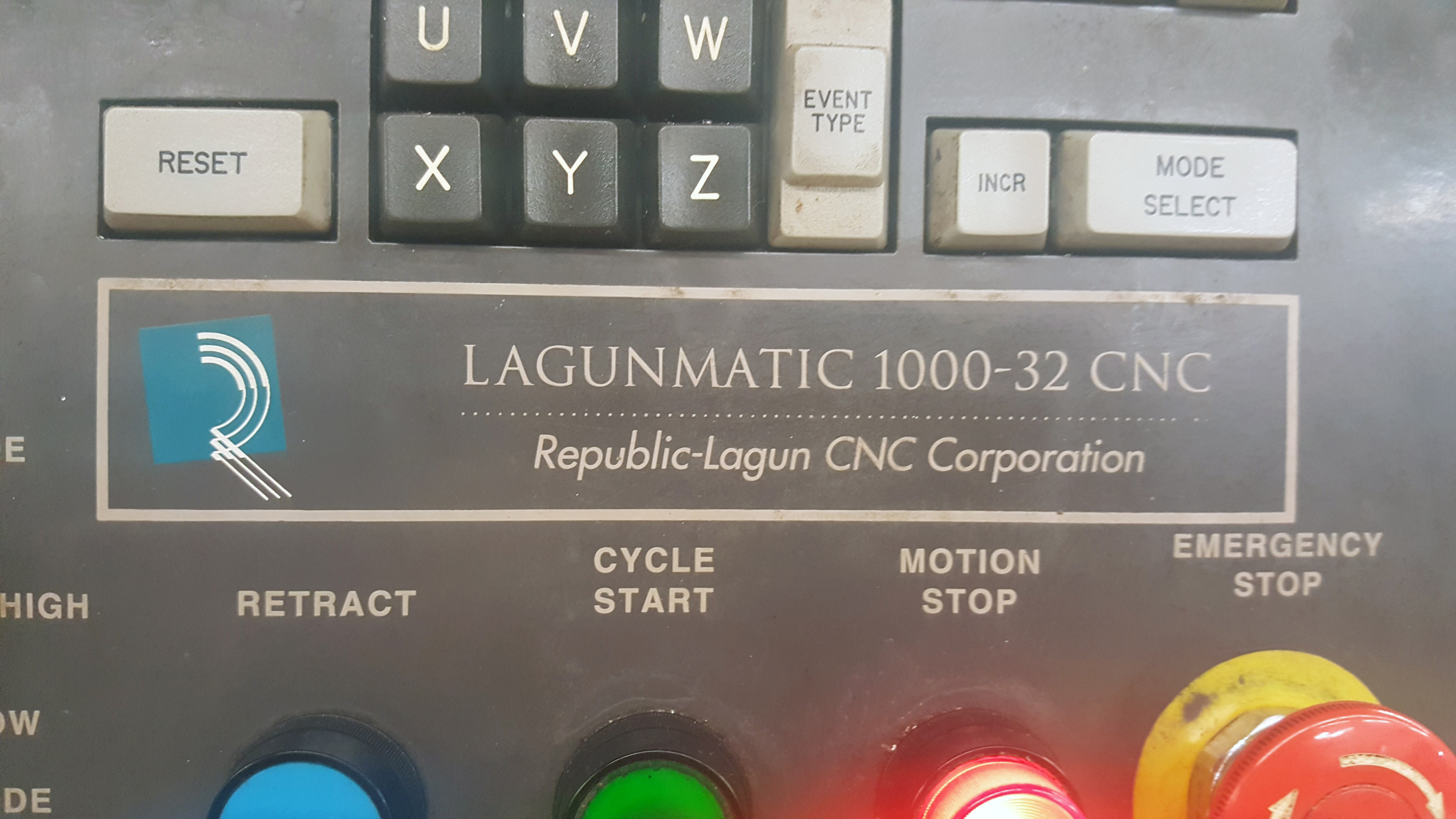 "Republic Lagun 4 Axis Model 3516 CNC Vertical Machining Center 16"" X 35"" table, 18 tools, 5000 - Image 4 of 6"