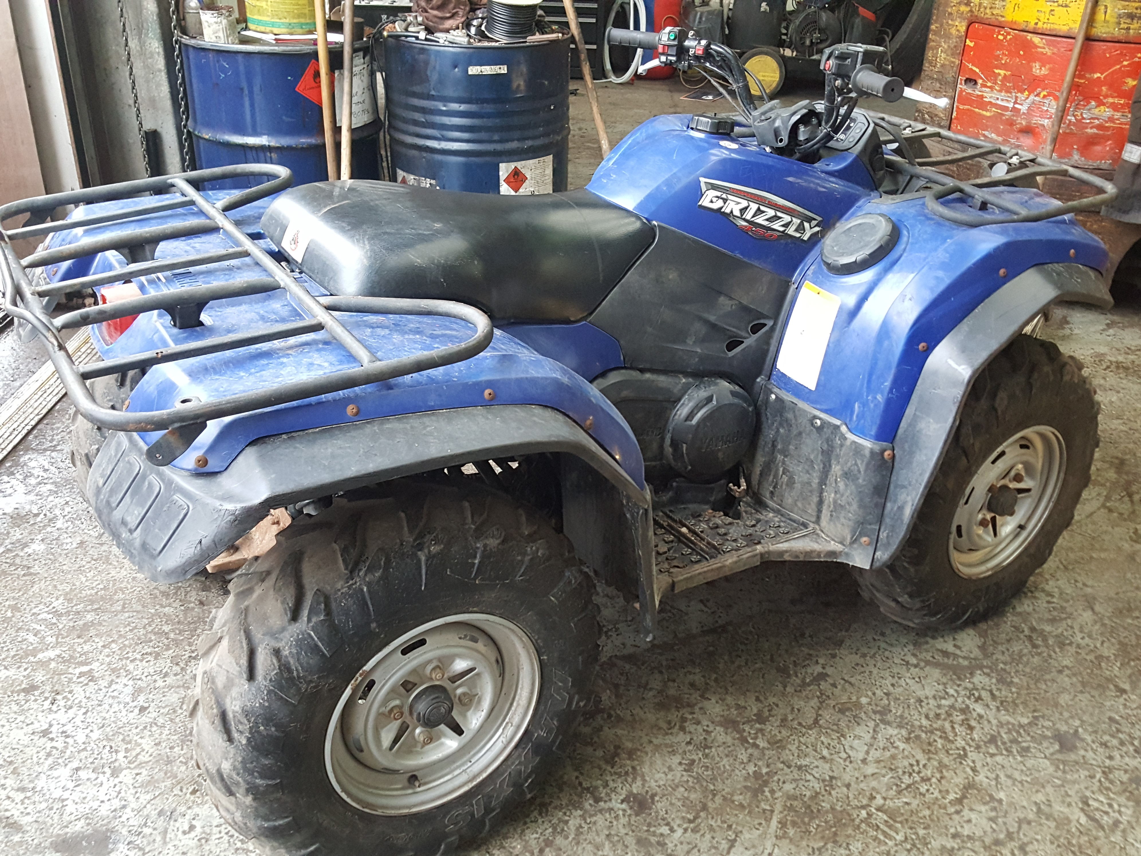 Lot 60 - 2009 Yamaha 450 Grizzly 4X4 Farm Quad with Diff Lock