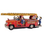 Tin Plate Fire Engine - Japanese - Friction Driven - 1960s - some wear & marks - L 17cm W 9cm
