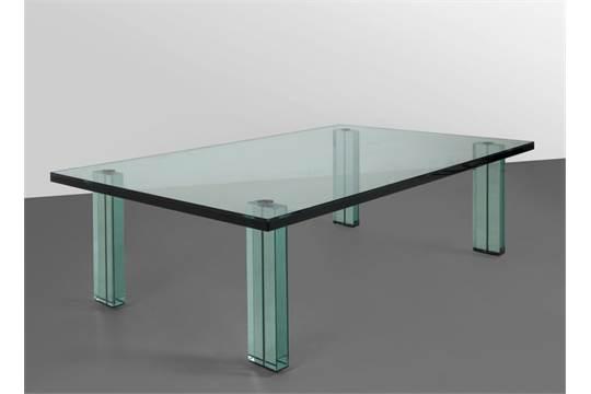Piano In Vetro Per Tavolo.Renzo Piano Un Tavolino Teso Per Fontana Arte 1985 Vetro