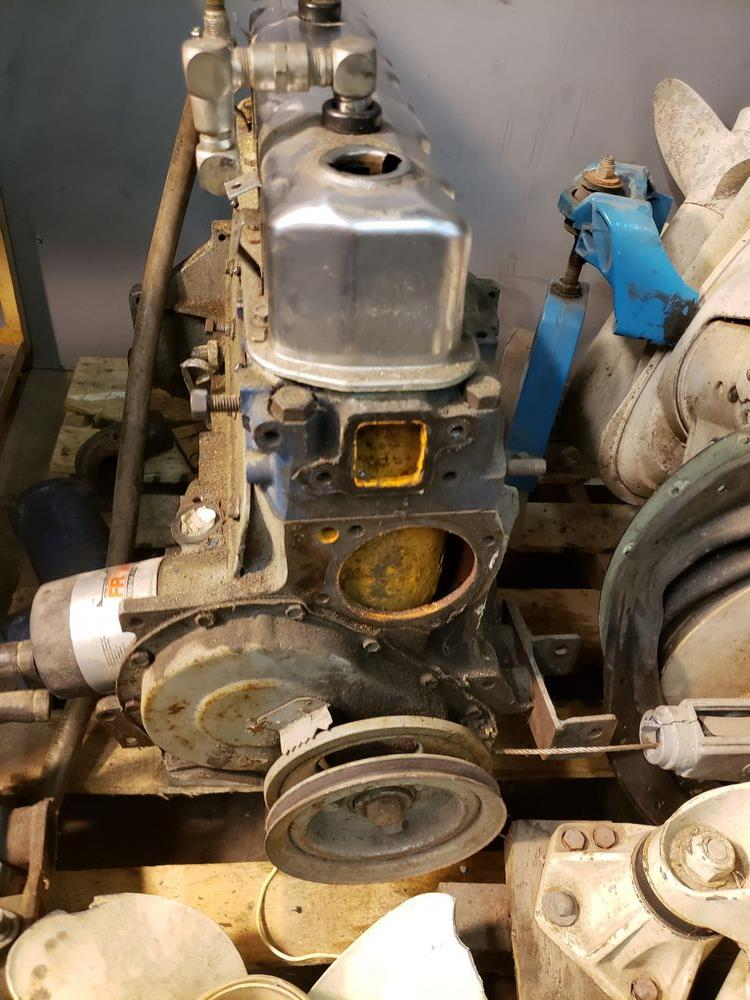 """OMC STERN DRIVE UNIT WITH BOAT MOTOR 120HP OMC """"IRON DUKE"""" INLINE 4 CYCLE ENGINE - AS IS - Image 3 of 8"""