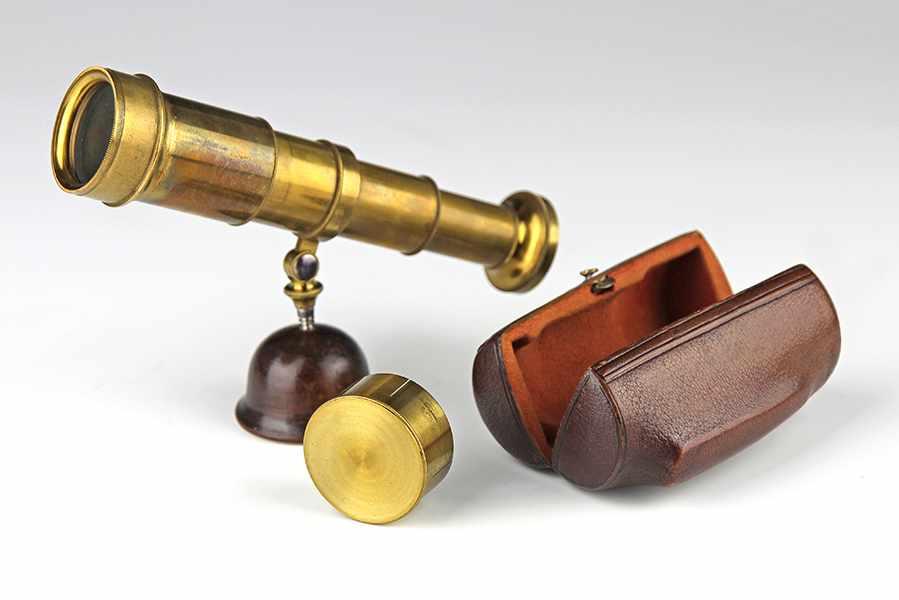 Lot 33 - Vermessung - Geometrie - - Spektiv mit Okularrevolver von Simon Plössl (1794-1868). Wien um 1840,