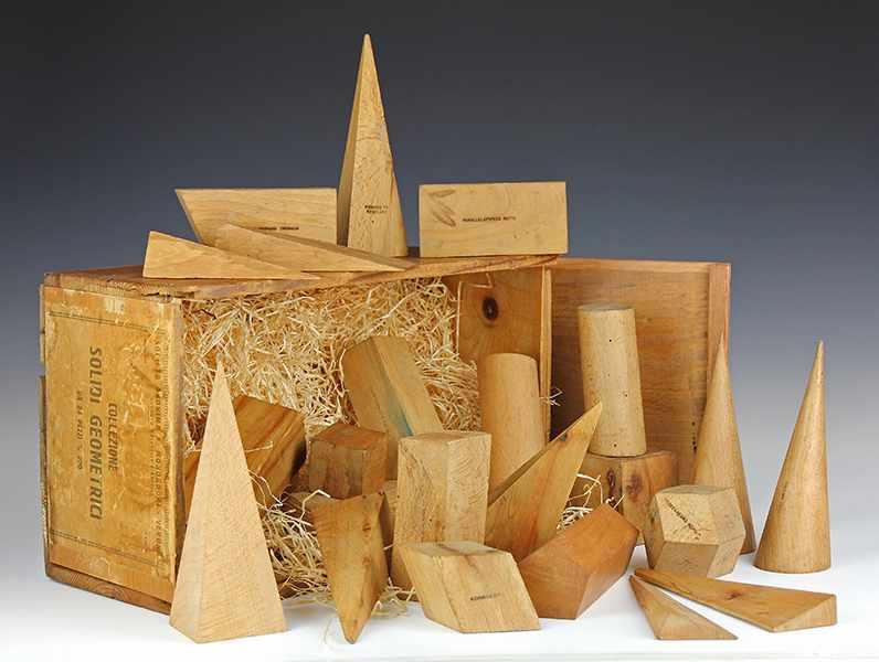 """Lot 37 - Vermessung - Geometrie - - Große Sammlung von 23 geometrischen Modellen. Verona um 1910, """"COLLEZIONE"""