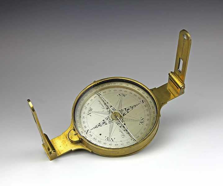"Lot 38 - Vermessung - Geometrie - - Diopterbussole von Bale. London um 1840, signiert am Kompass ""Bale"
