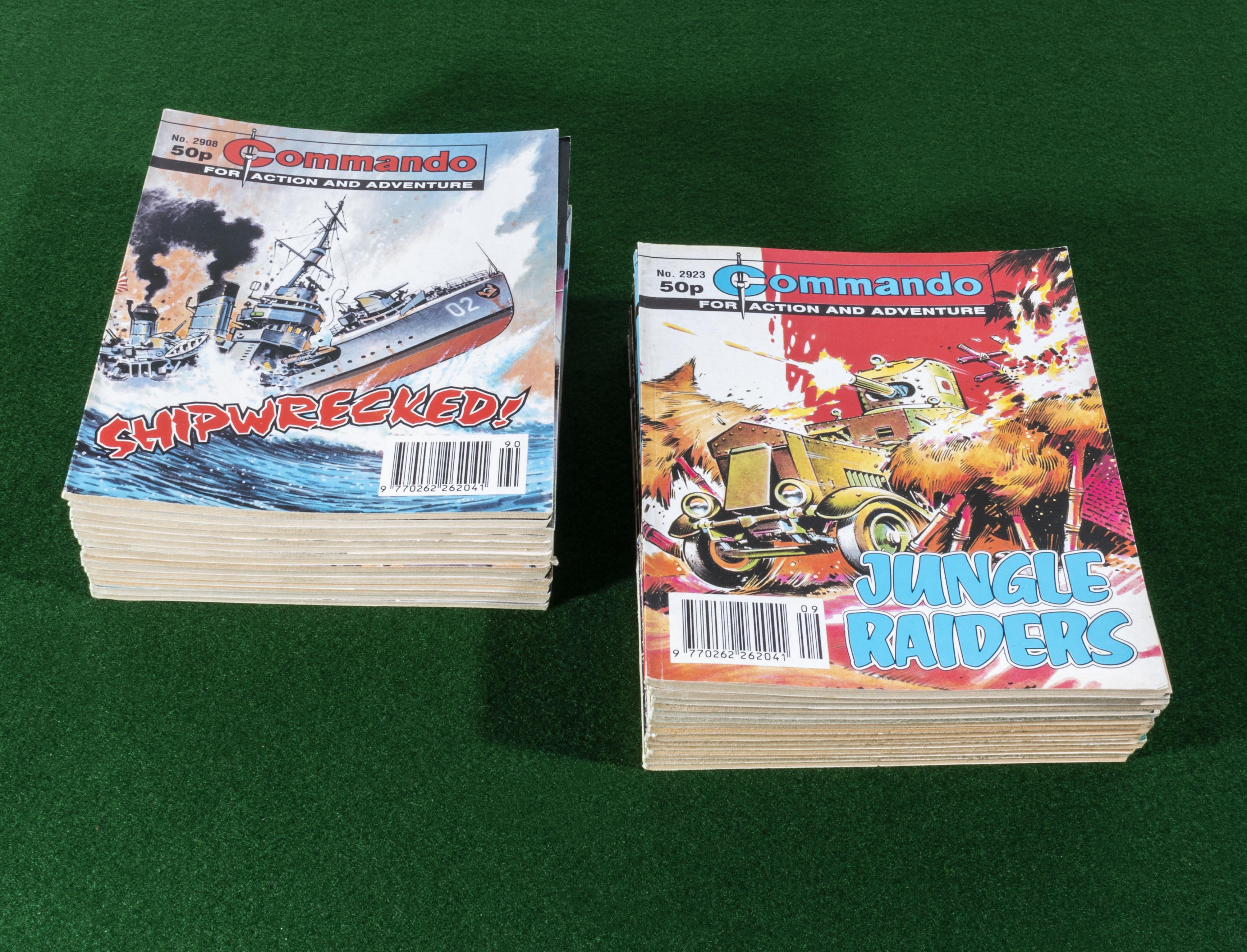 Lot 23 - 30 Commando comic books 2908/37 1995/96