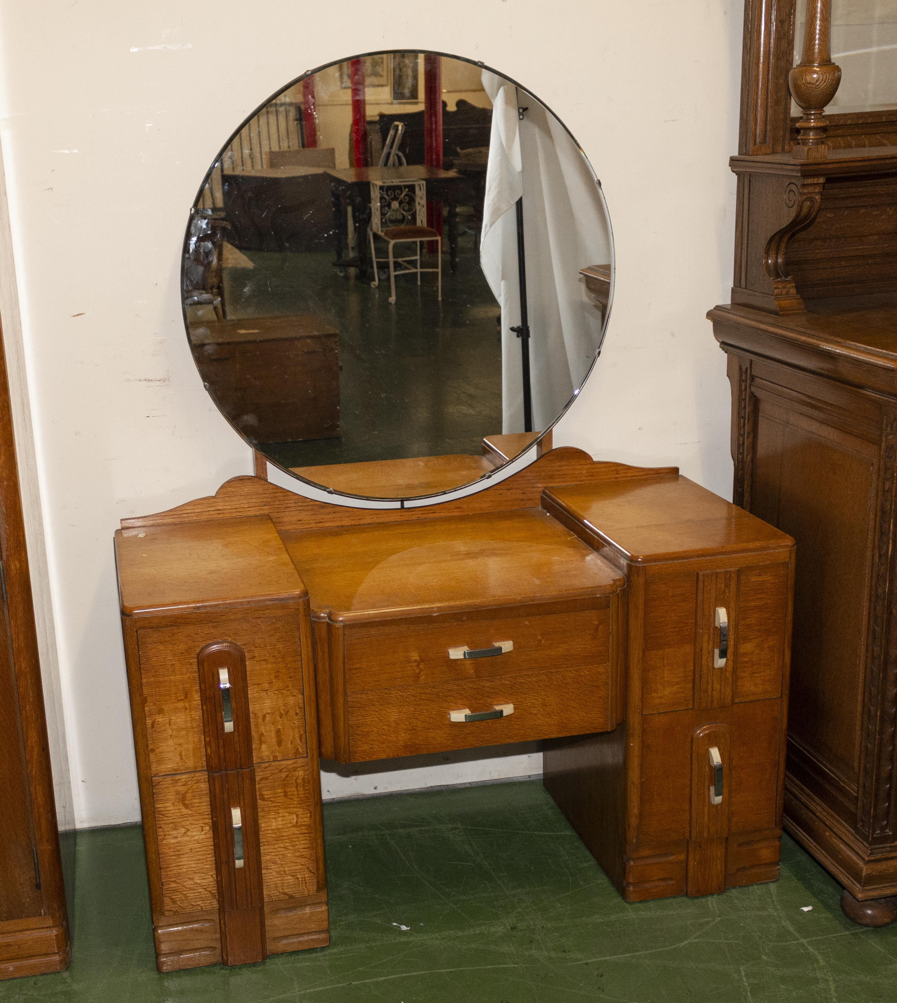 Lot 10 - A Deco dressing table ( matching lot 9)