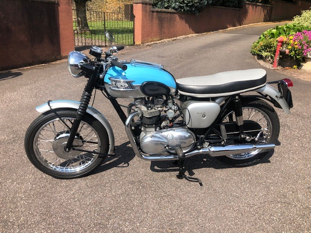 Lot 3 - A Triumph Bonneville 120 650cc, manufactured 1961, registration 944 UTC, 1057 miles unwarranted.