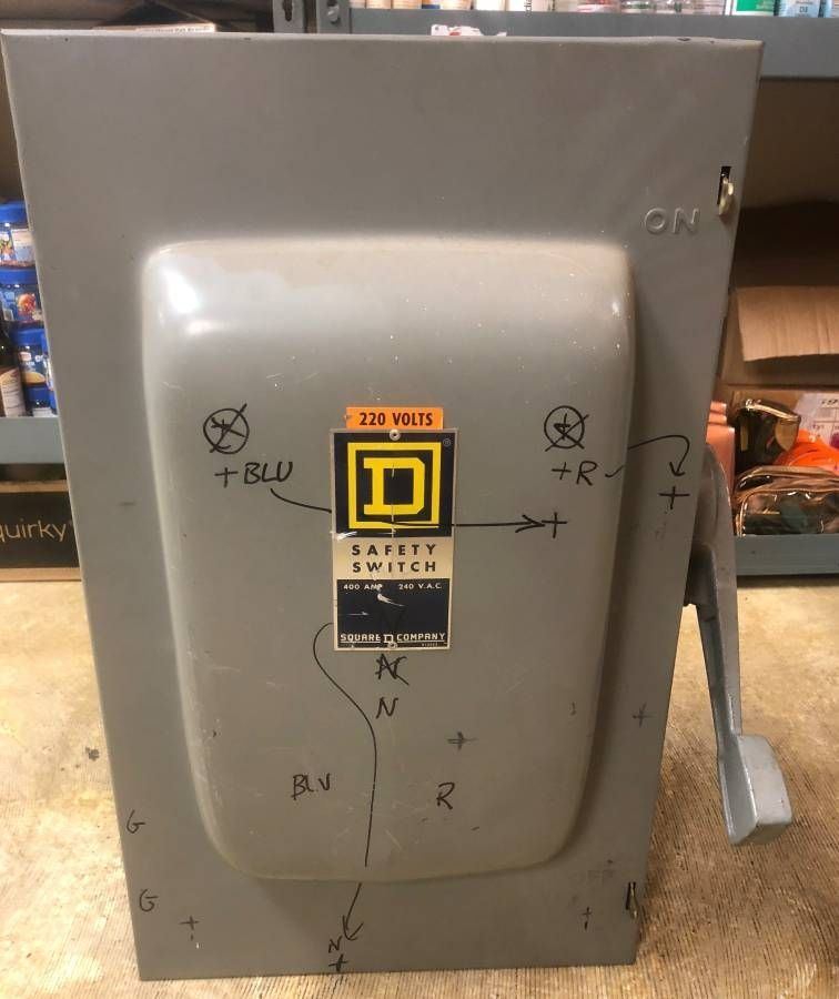 Lot 1G - Square D D225N GD Safety Switch 400A 240V FUSIBLE $1400 unit   USED, UNSURE IF ANY PROBLEMS