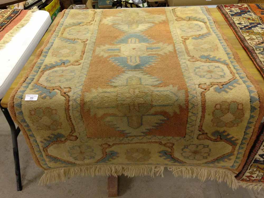 Lot 242 - A vintage Milas Turkish wool rug. 135 x 80cm (1.08m²).