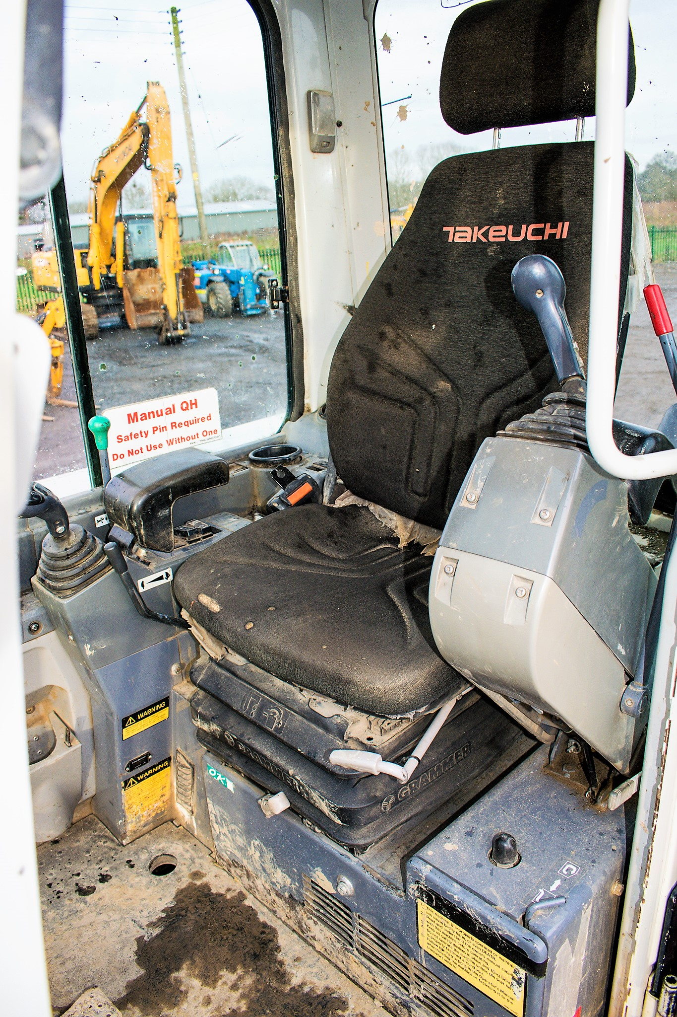 Lot 27 - Takeuchi TB250 5 tonne rubber tracked excavator Year: 2010 S/N: 125000210 Recorded Hours: 4513
