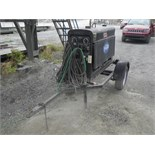 2000 LINCOLN CLASSIC 300D - 300 AMP DC WELDER W/ 4 CYL. JD DIESEL ENGINE ON S/A TRAILER S/N