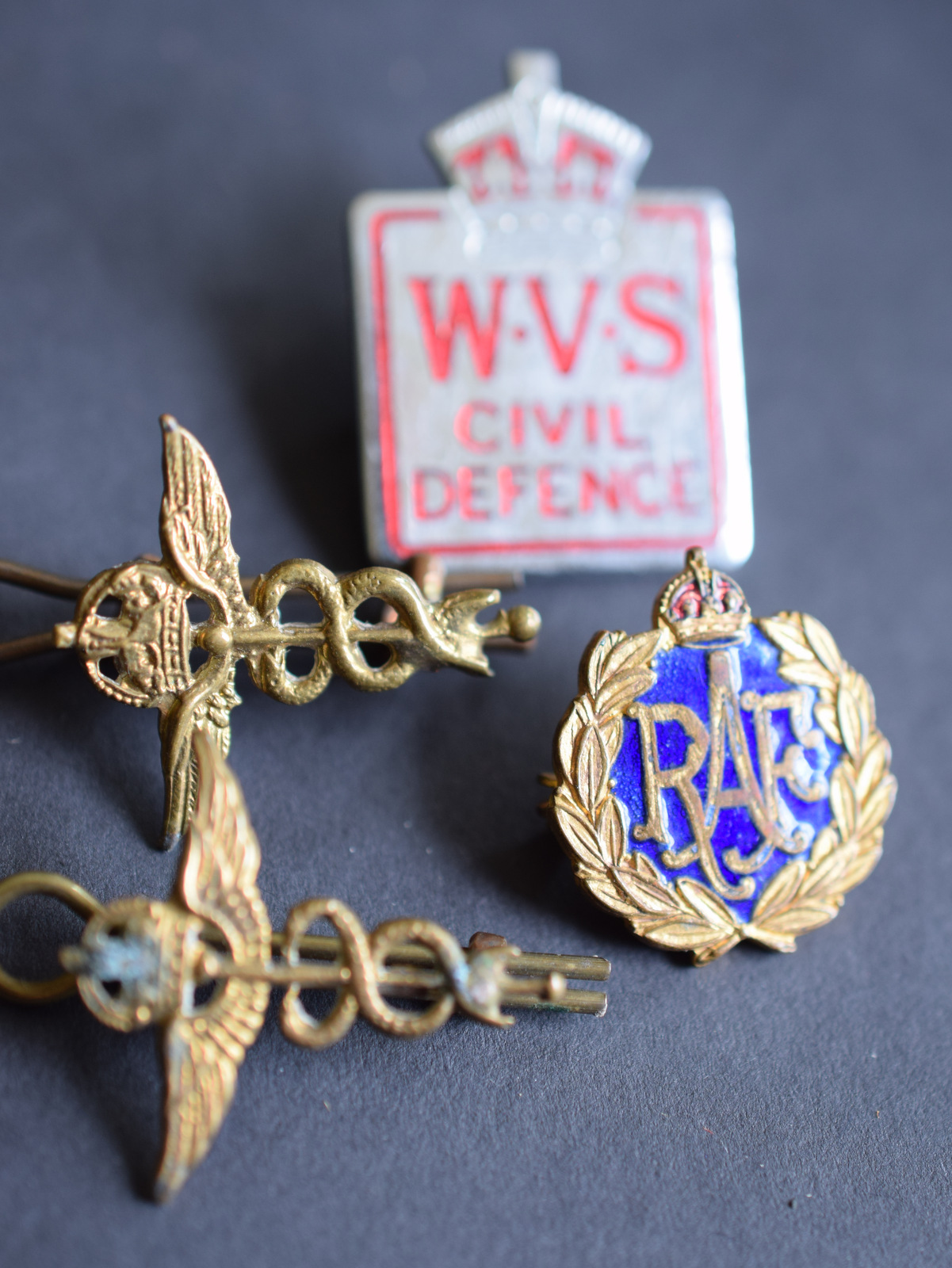 WW2 RAF Photo Album And Badges, Medals - Image 7 of 9