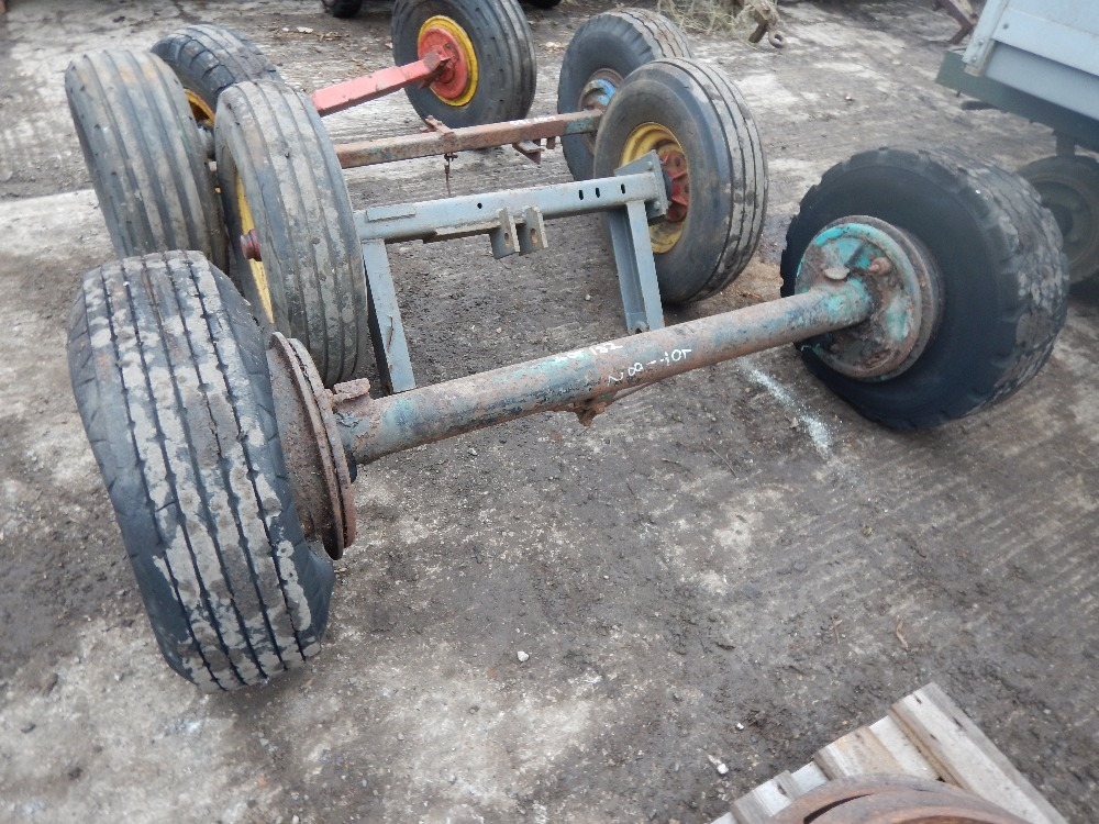 Trailer Axles With Wheels : Trailer axle with wheels and tyres